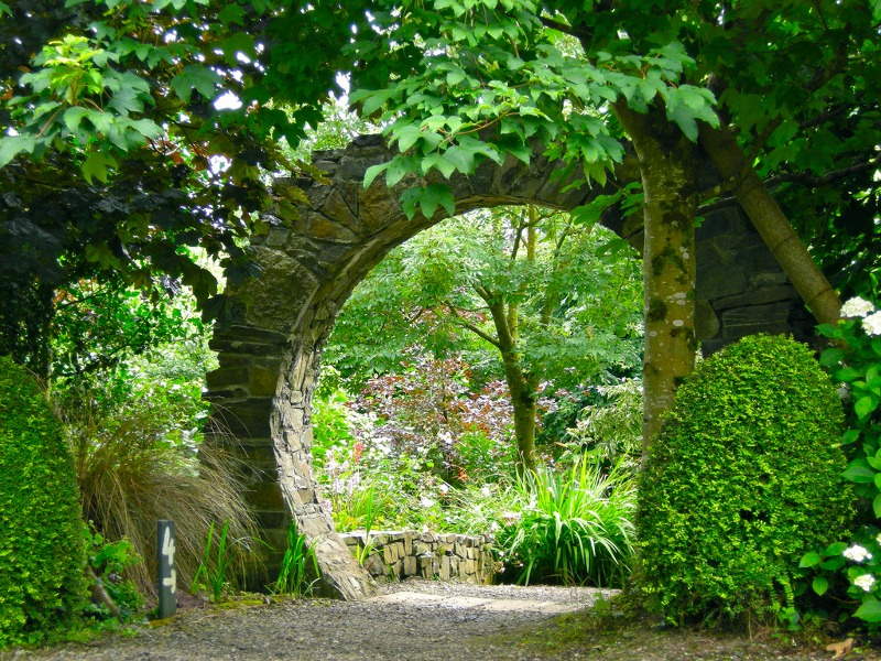 Knockpatrick gardens archway for Irish garden designs