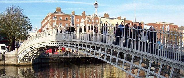 HaPenny Bridge, Dublin, Ireland. Dublin with kids. Ireland vacation tips to beat jet lag | IrelandFamilyVacations.com
