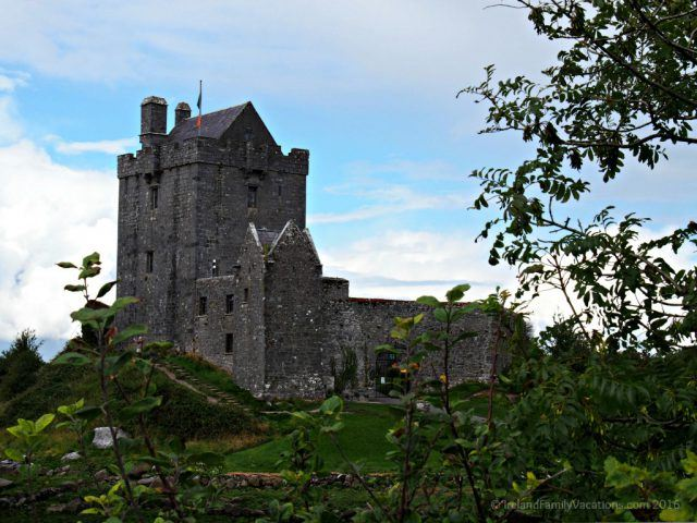 Dunguaire Castle along the Wild Atlantic Way | Kinvarra, County Galway, Ireland | Ireland vacation | Ireland travel tips | IrelandFamilyVacations.com