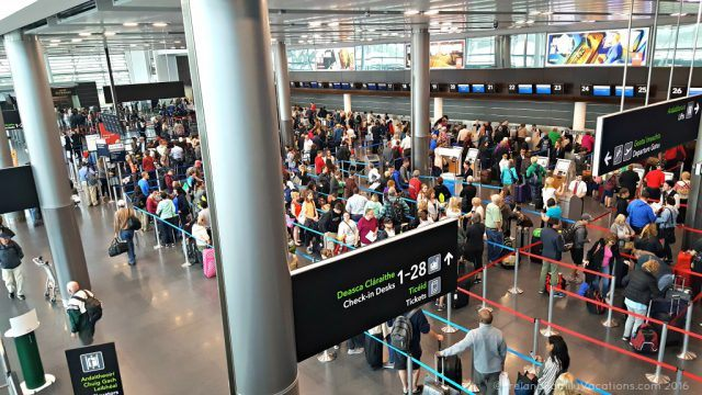Crowds at Dublin Airport Check In. Ireland travel tips | Ireland vacation |IrelandFamilyVacations.com