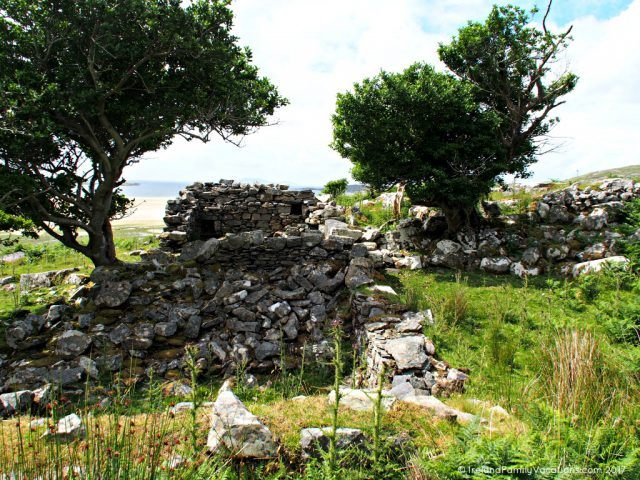 Ruins of a famine era cottage in County Mayo. Ireland travel tips | Ireland vacation | IrelandFamilyVacations.com