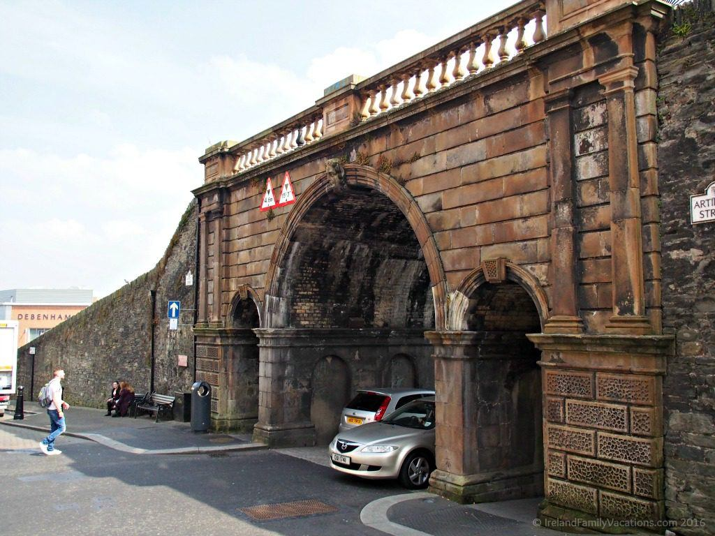 Ferryquay Gate, Derry, Northern Ireland. Ireland travel tips | Ireland vacation | IrelandFamilyVacations.com