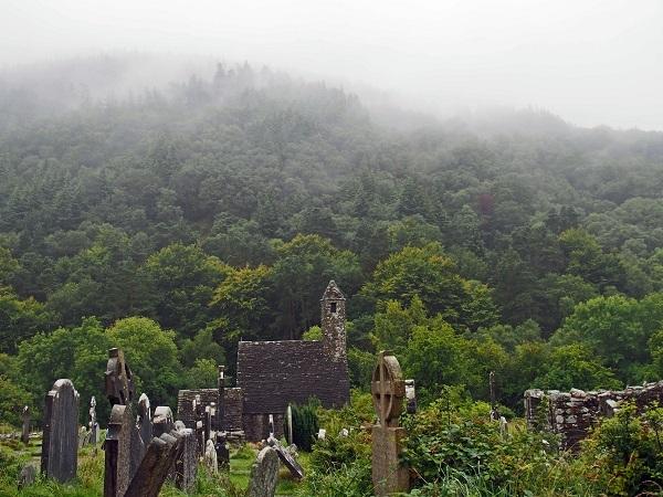 St_Kevins_Kitchen_fog_Glendalough_Wicklow_Ireland